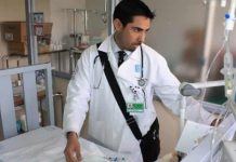Anuncia AMLO que habrá convocatoria para contratar más personal médico